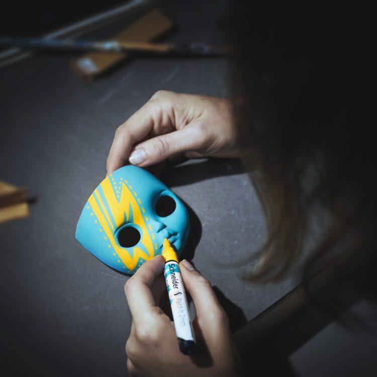 Marker cu vopsea acrilică Paint-It 310 Schneider model