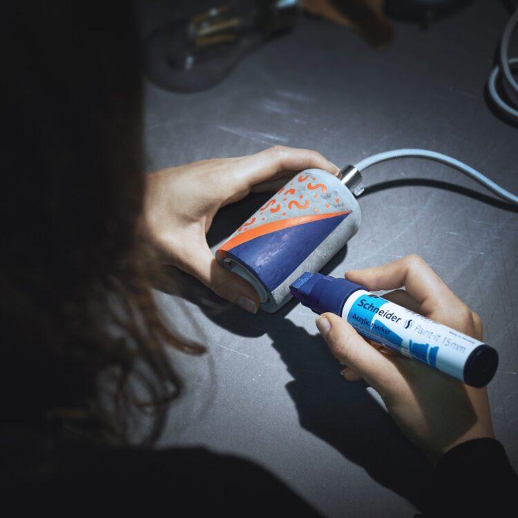 Marker cu vopsea acrilică Paint-It 330 Schneider model